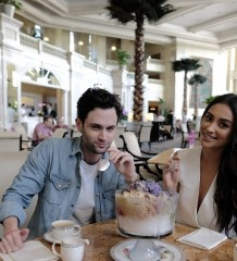Shay Mitchell Penn Badgley Halo-Halo